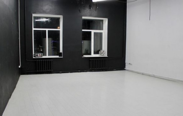 Танцевальный зал черно-белый - фото №2