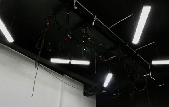Танцевальный зал черно-белый - фото №3