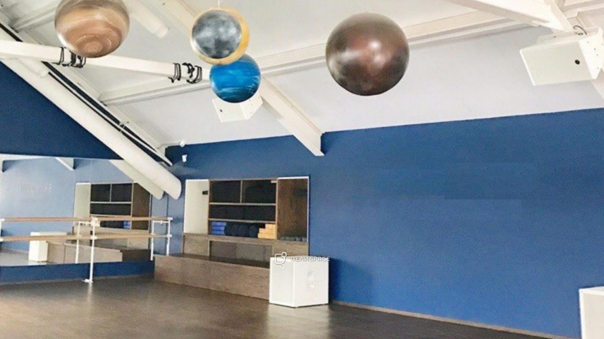 Просторный зал для йоги и танцев - фото №2