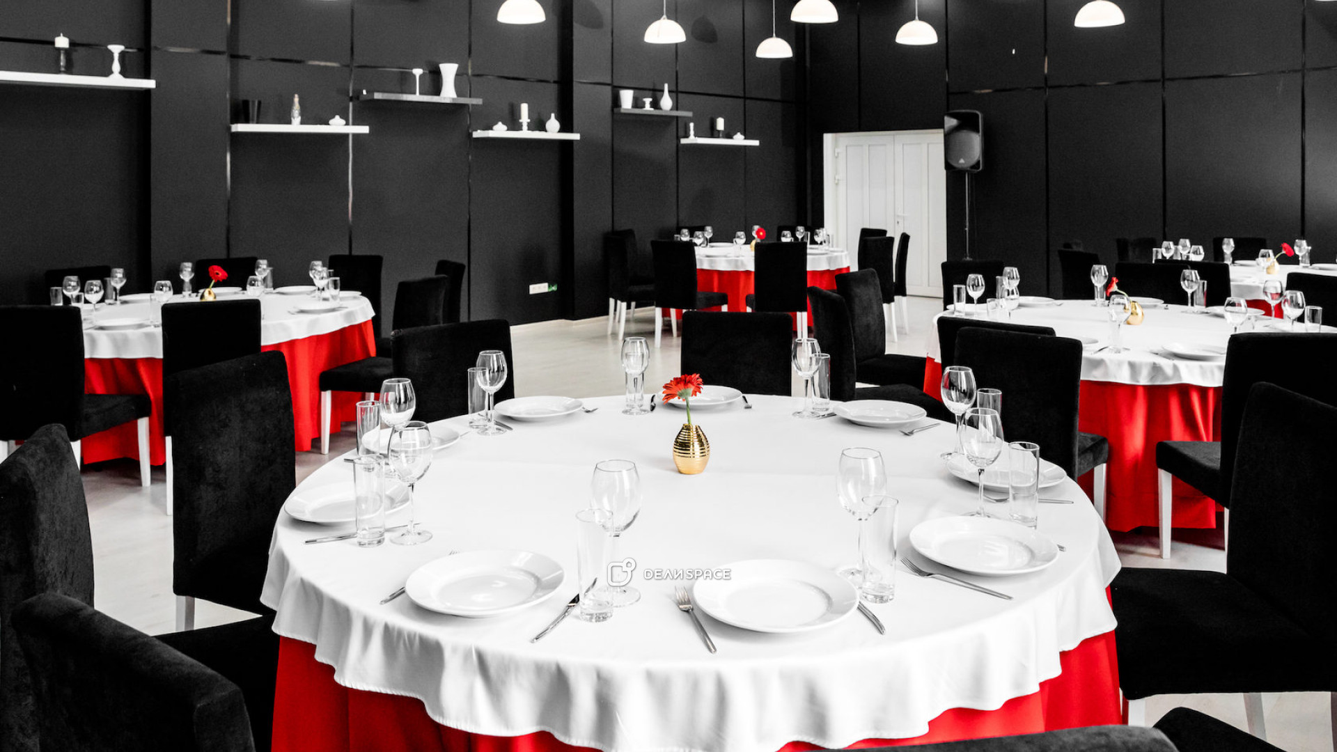 Черно- белый зал - фото №2