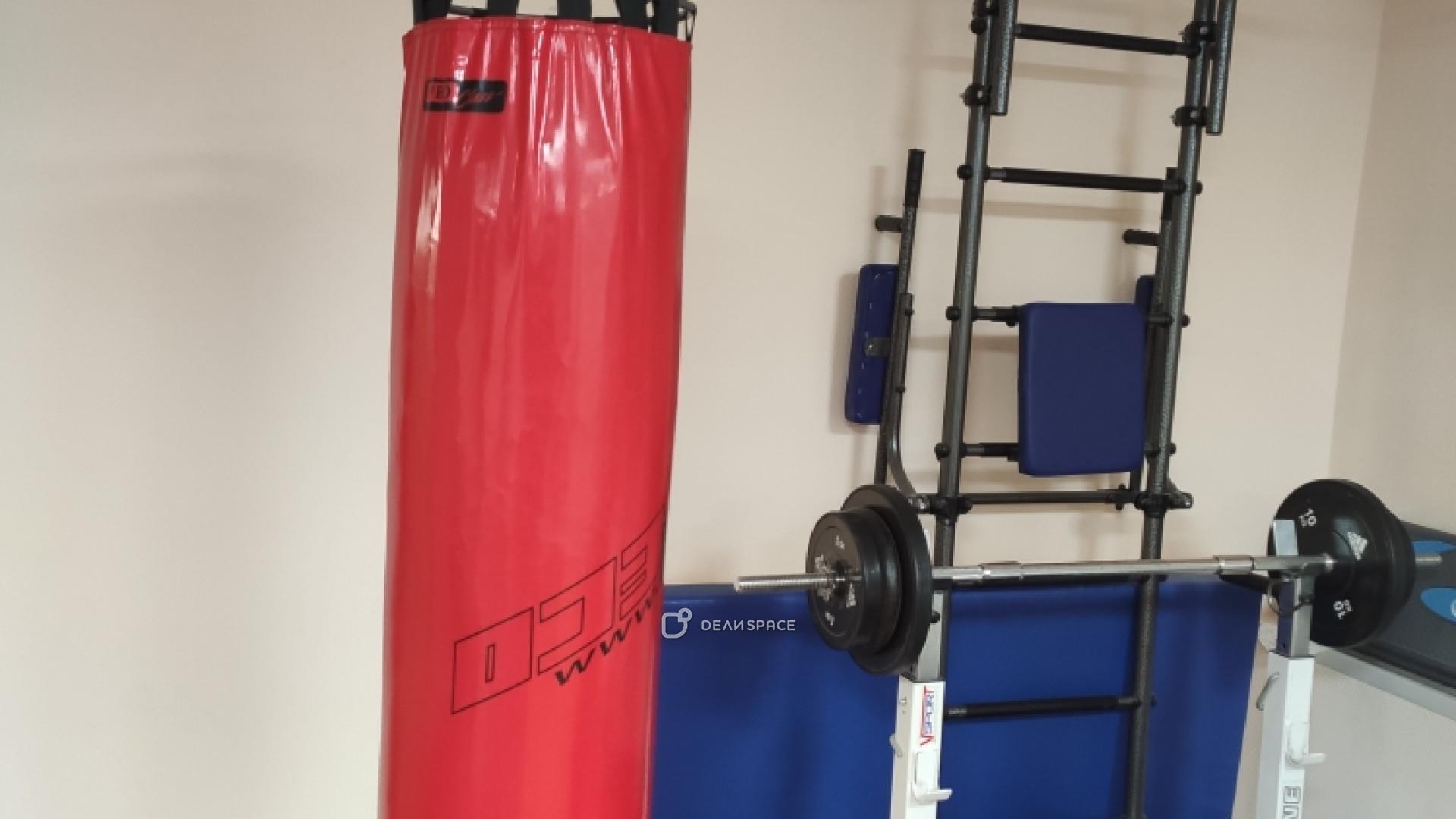 Универсальное помещение для работы и спорта