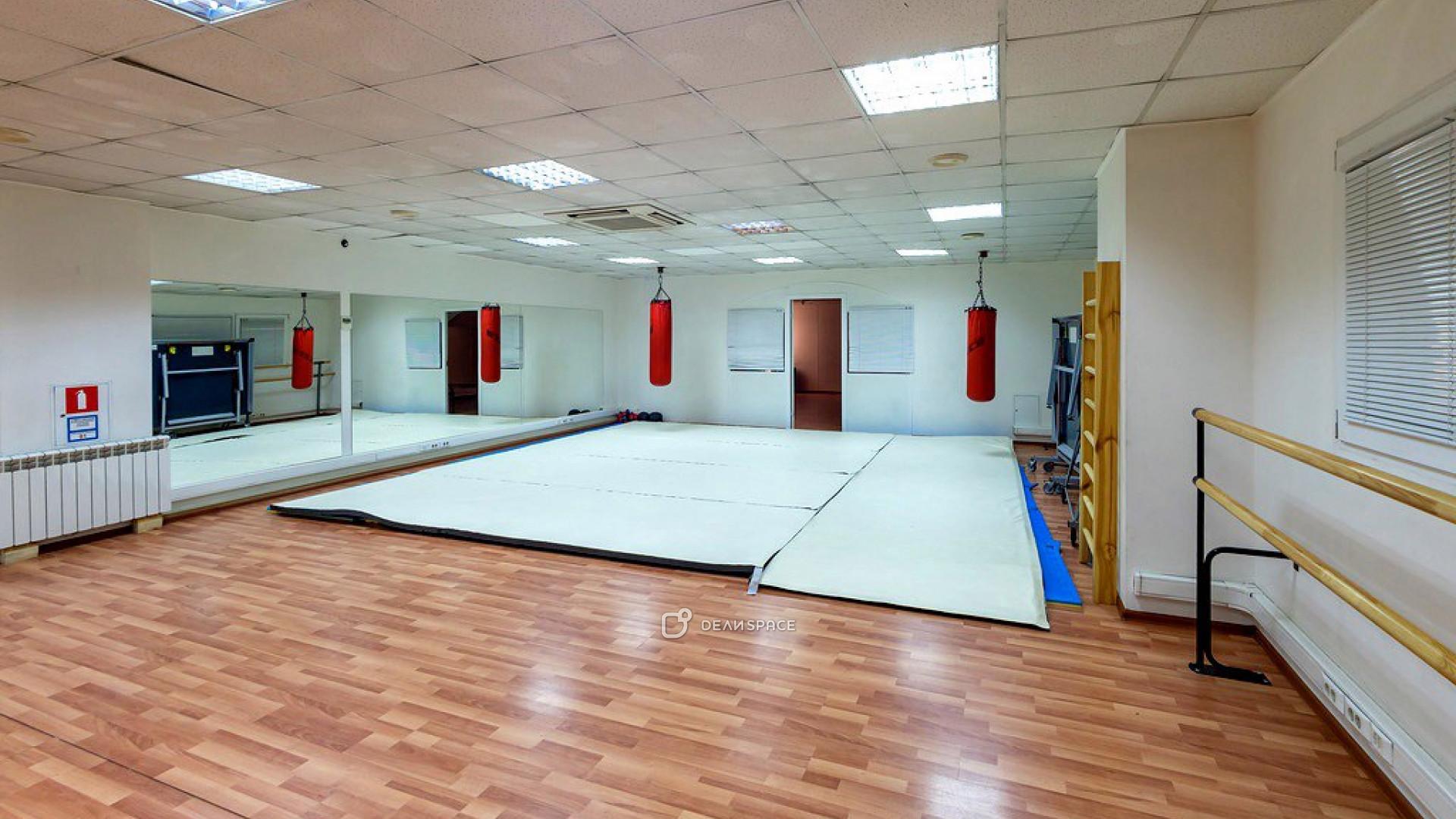 Зал для фитнеса и танцев