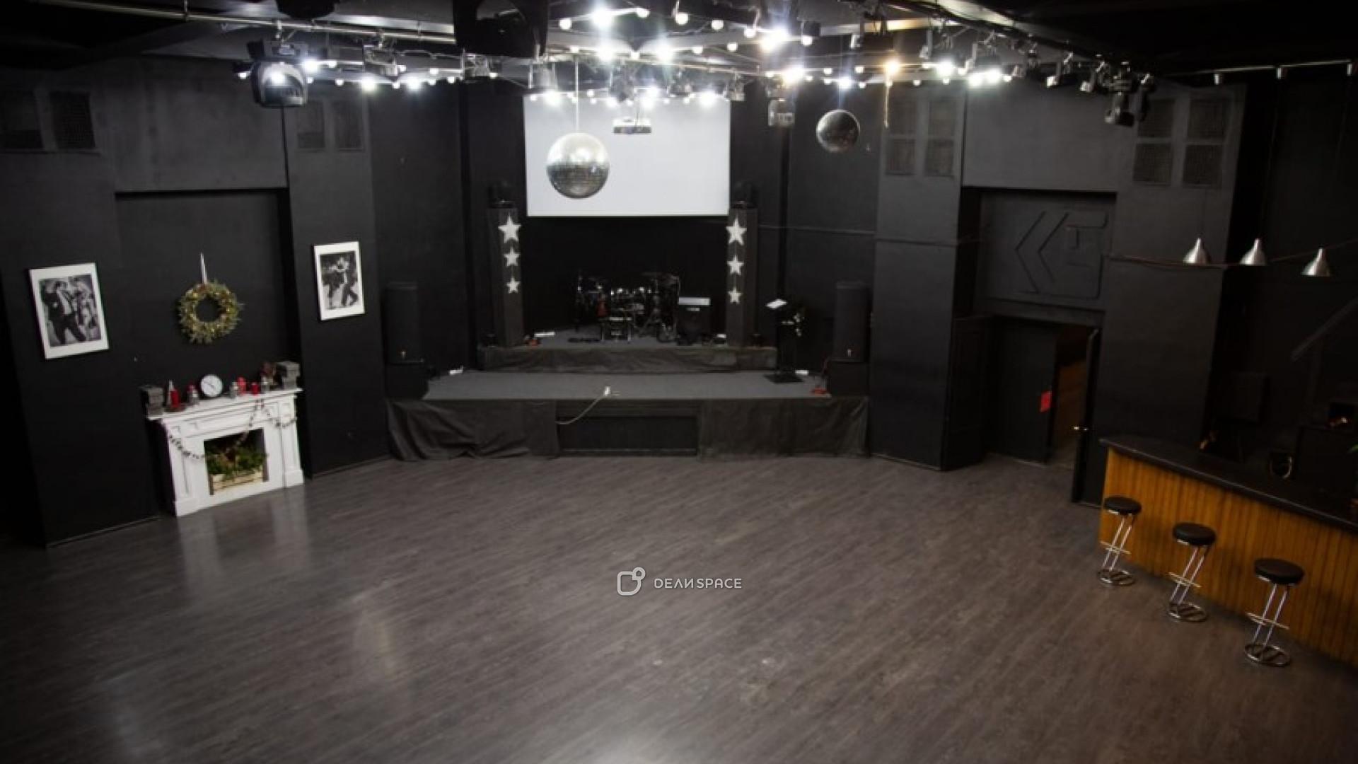 ART CLUB LOFT - фото №2