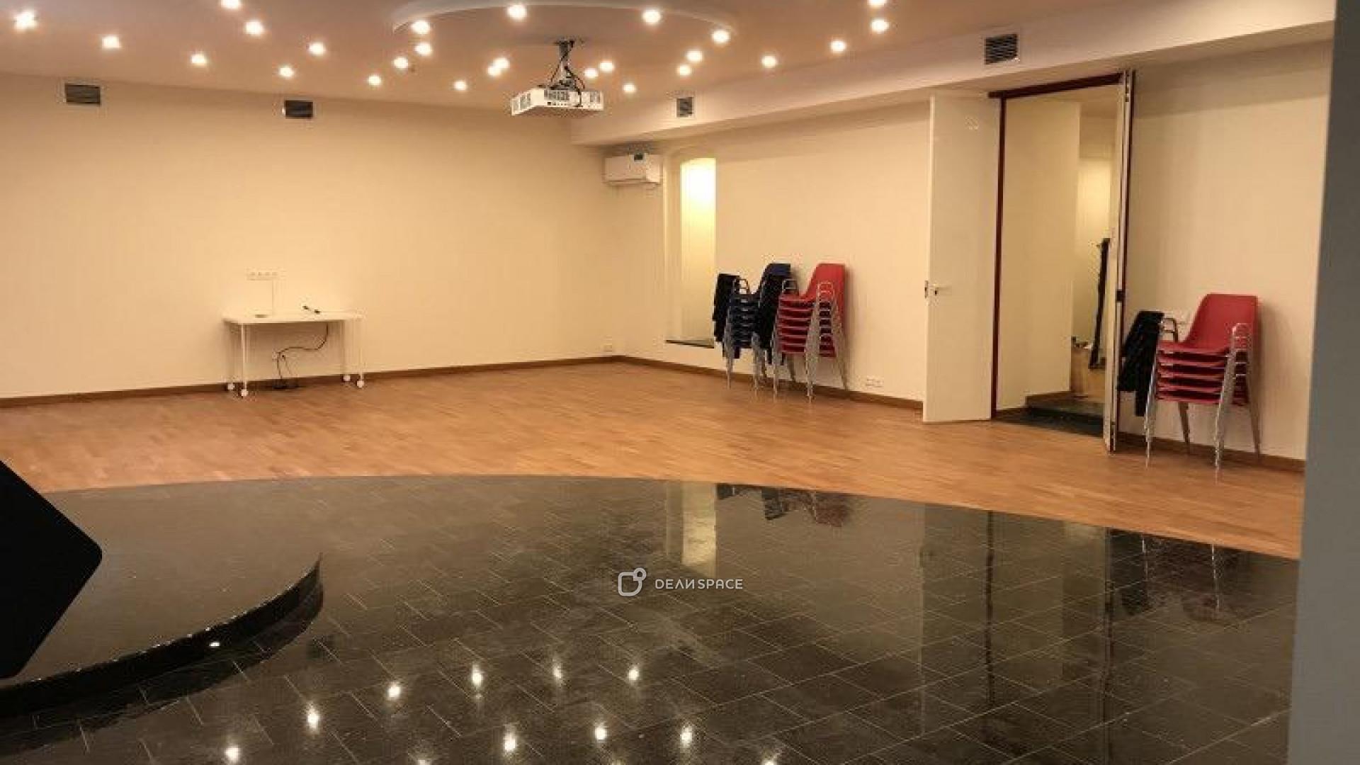 Зал для групповой и индивидуальной работы