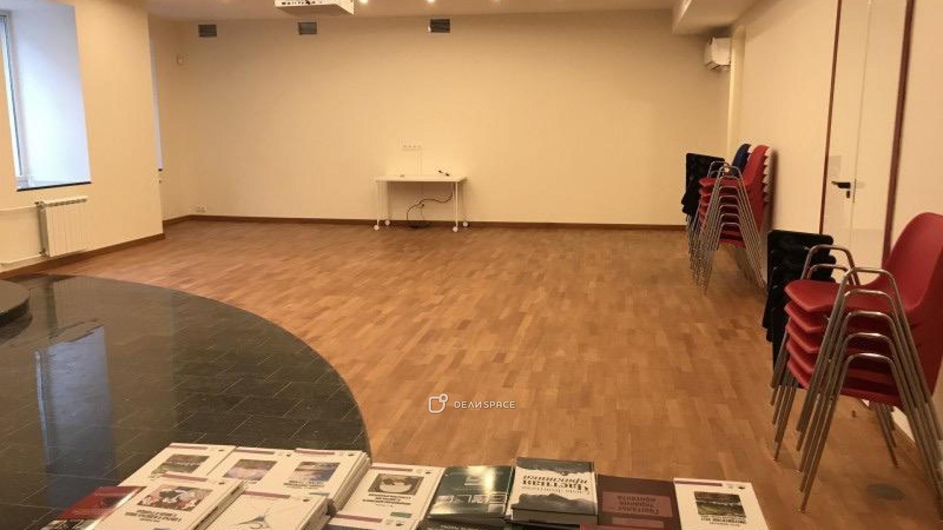 Зал для групповой и индивидуальной работы - фото №2