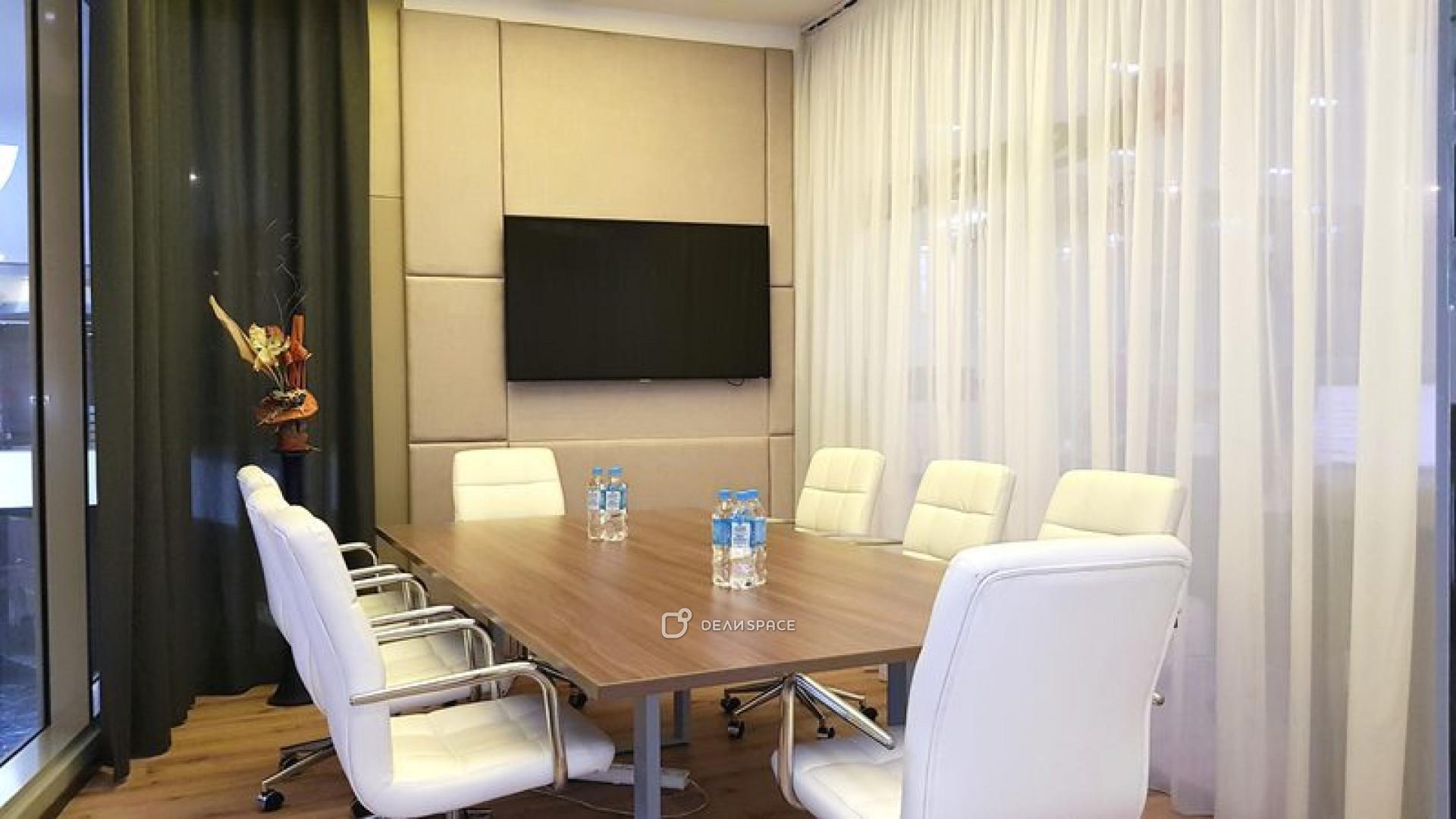 Большая переговорная комната в Москва-Сити