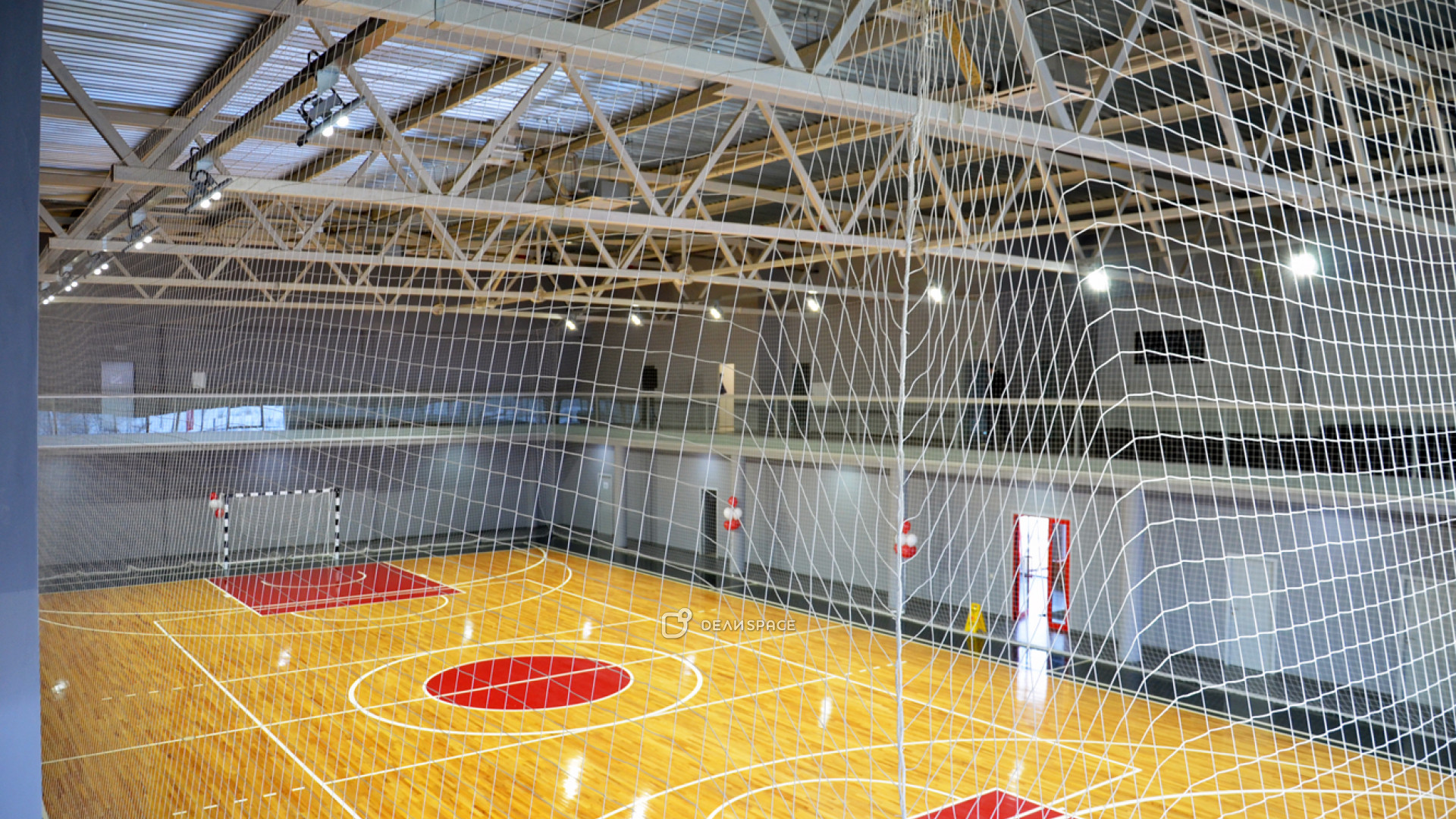 Профессиональная игровая арена с трибунами - фото №5