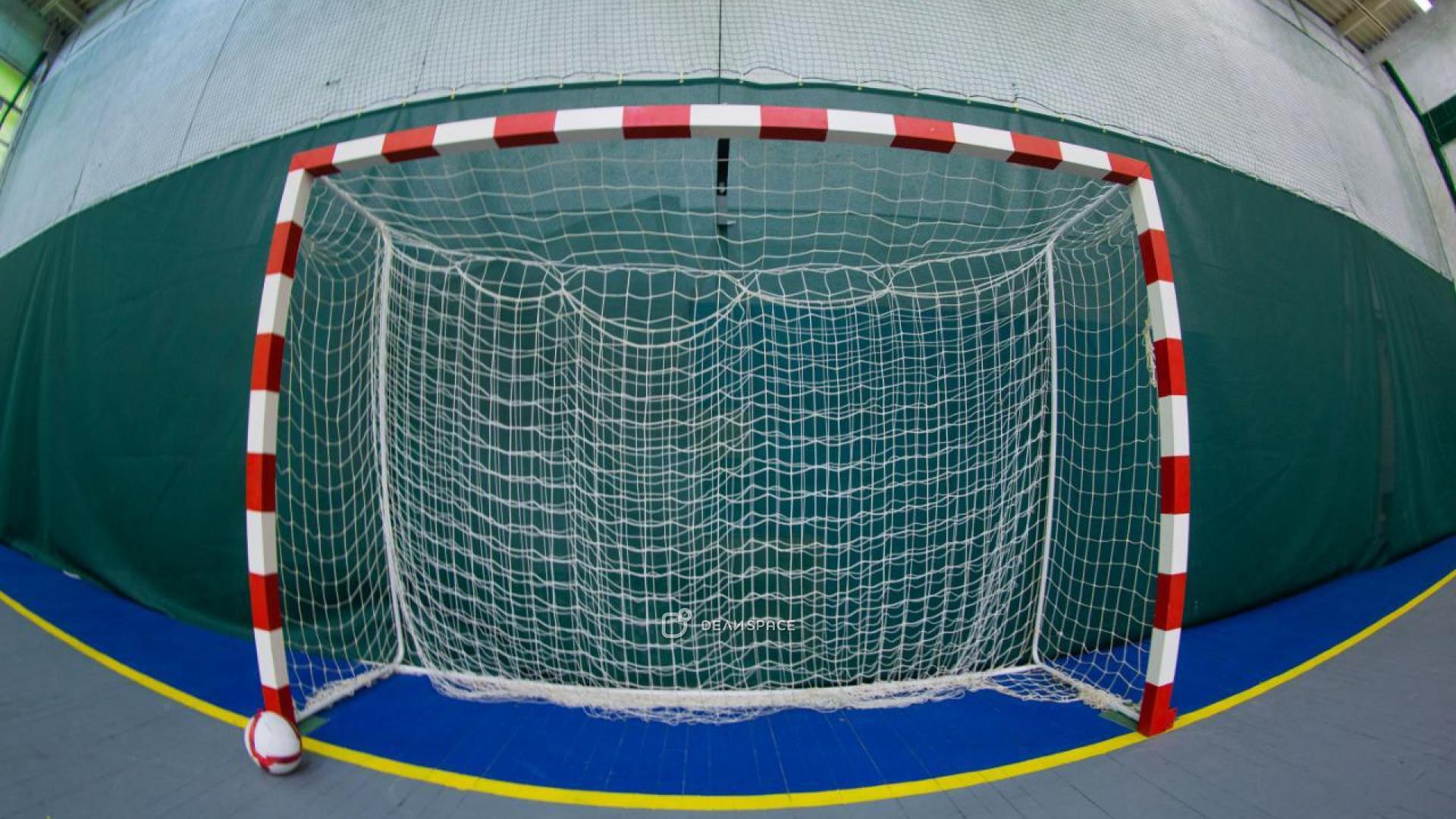 Зал для футбола и волейбола - фото №3