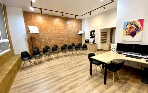 Зал для лекций и семинаров - фото №1