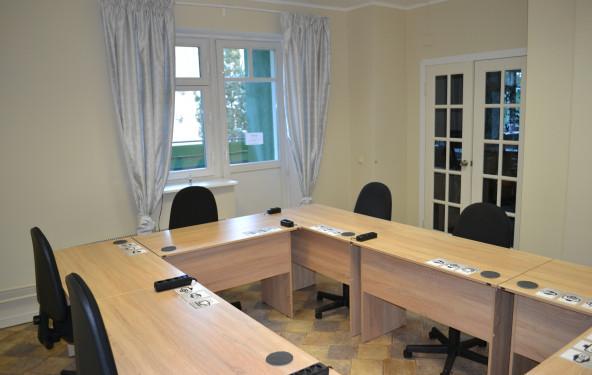 Рабочее место в коворкинге - фото №3