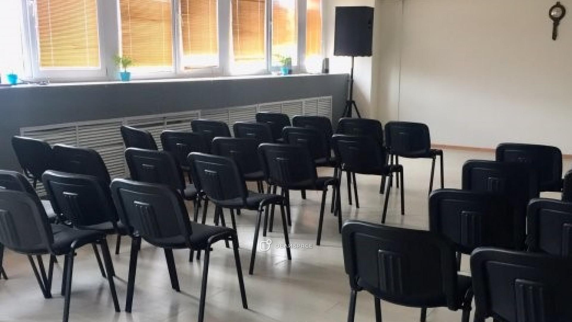 "Зал для спортивных занятий и семинаров ""Лондон"" - фото №4"