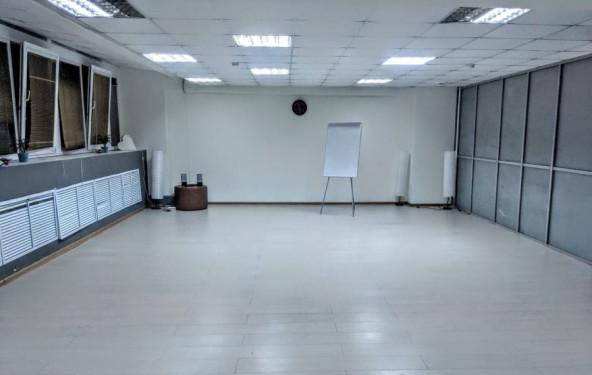 "Зал для спортивных занятий и семинаров ""Лондон"" - фото №1"