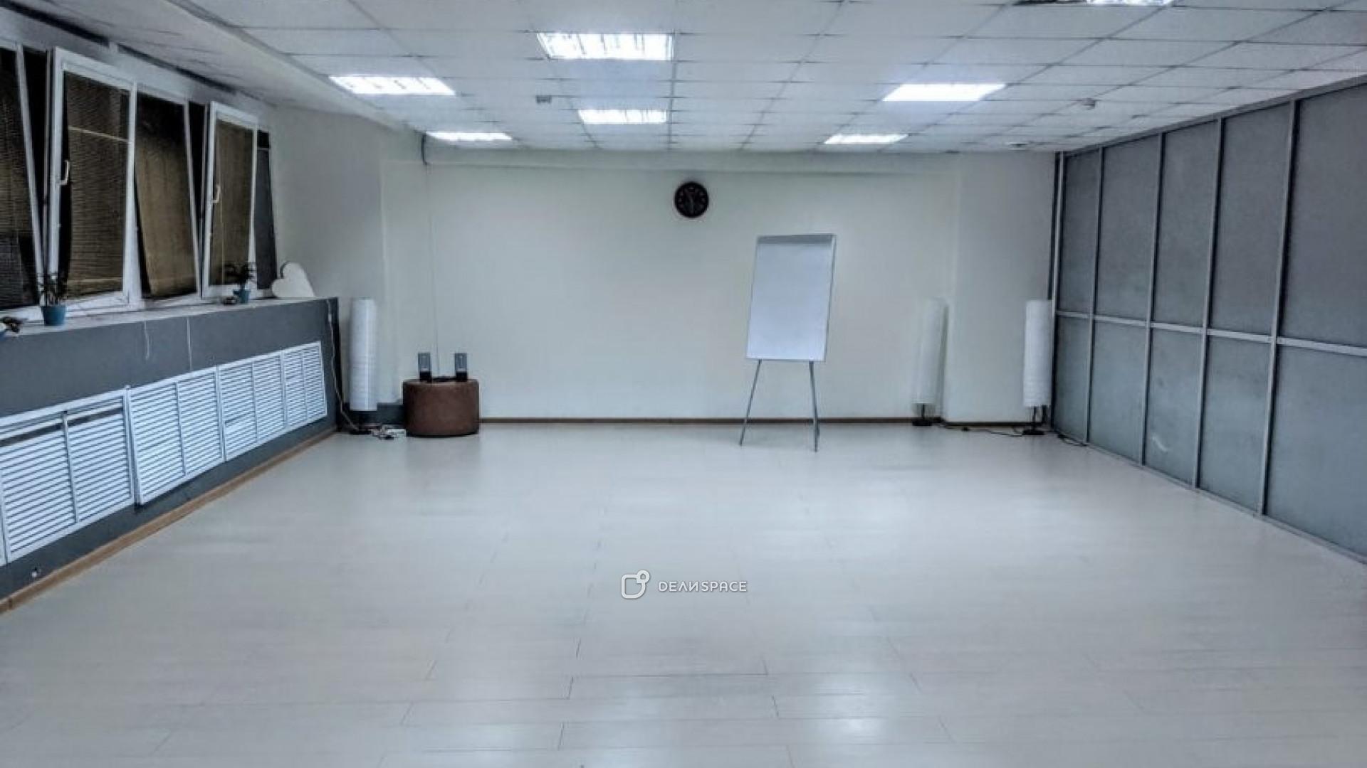 """Зал для спортивных занятий и семинаров """"Лондон"""""""