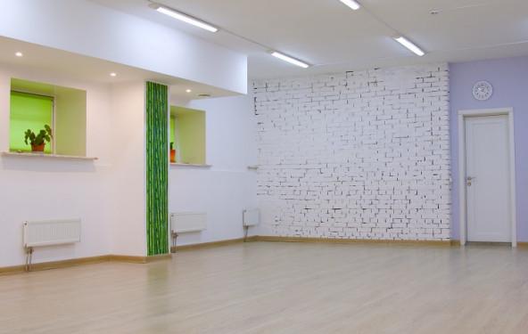Зал для занятий спортом, боевыми искусствами, йогой, медитацией, подвижными практиками - фото №2