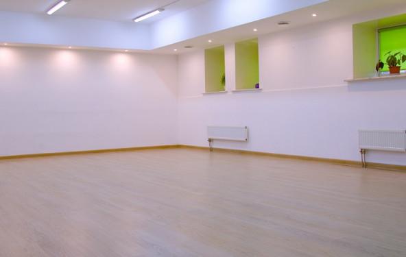 Зал для занятий спортом, боевыми искусствами, йогой, медитацией, подвижными практиками - фото №4