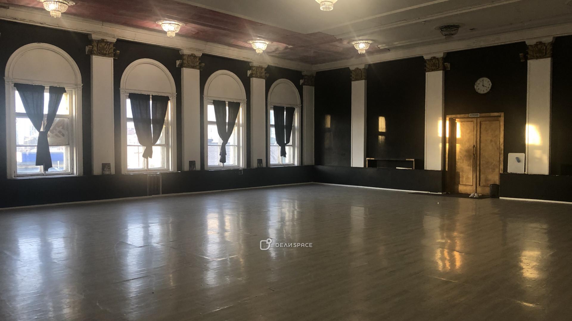 Танцевальный зал ArtDanceSPb