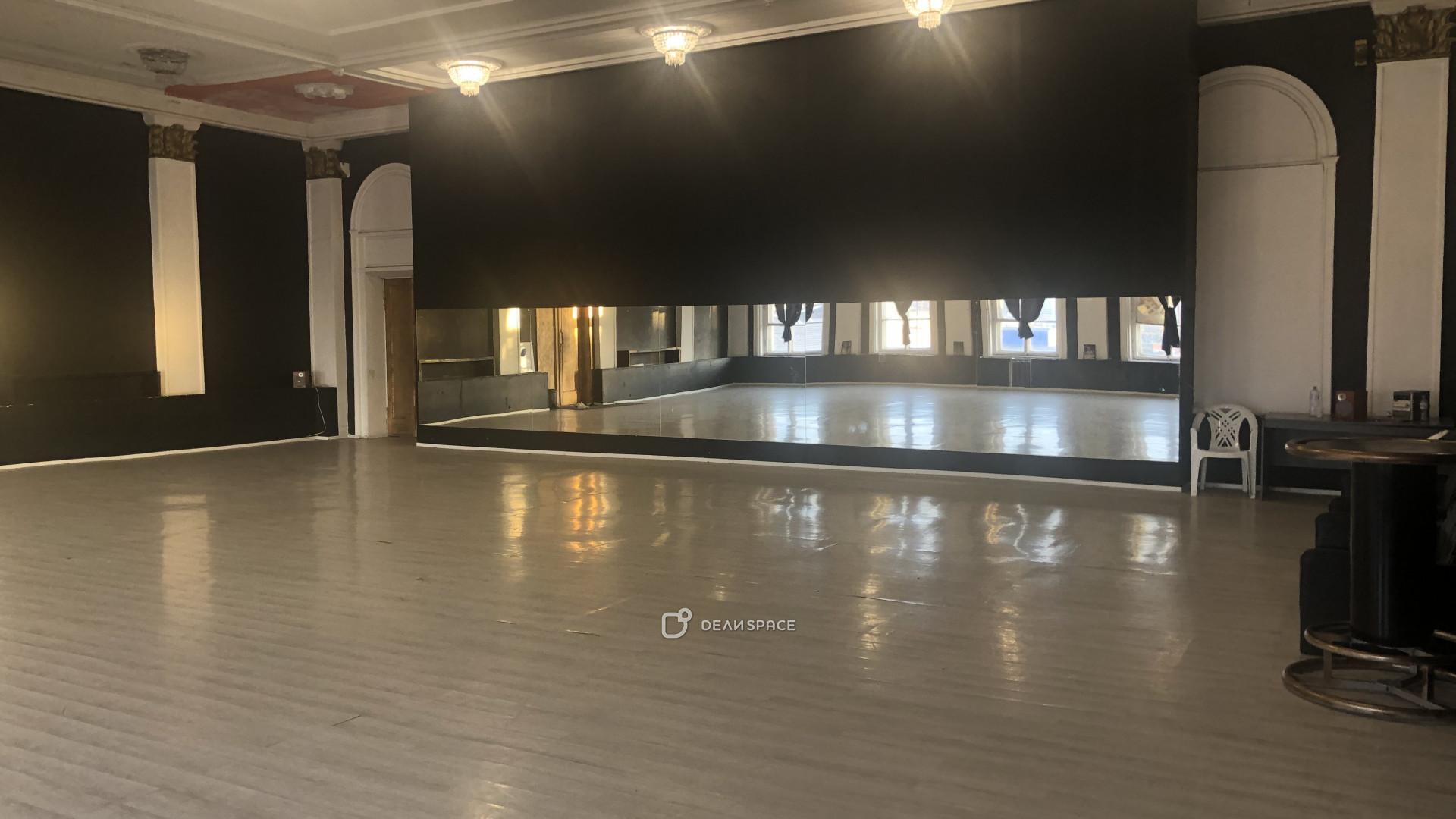 Танцевальный зал ArtDanceSPb - фото №2