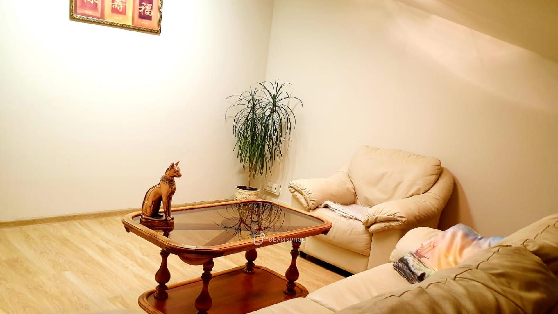 Кабинет для массажа и индивидуальных консультаций - фото №4