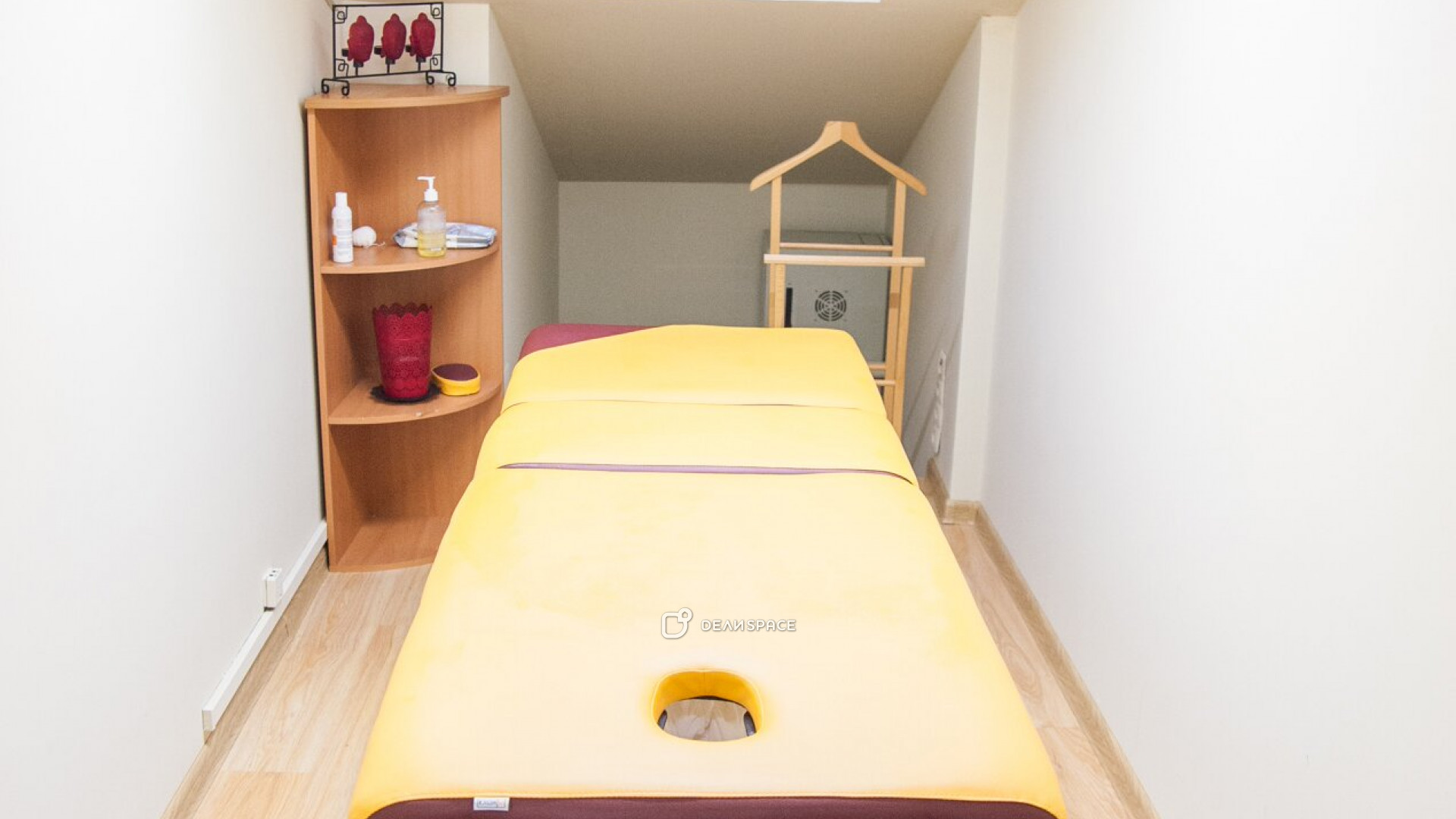 Кабинет для массажа и индивидуальных консультаций - фото №2